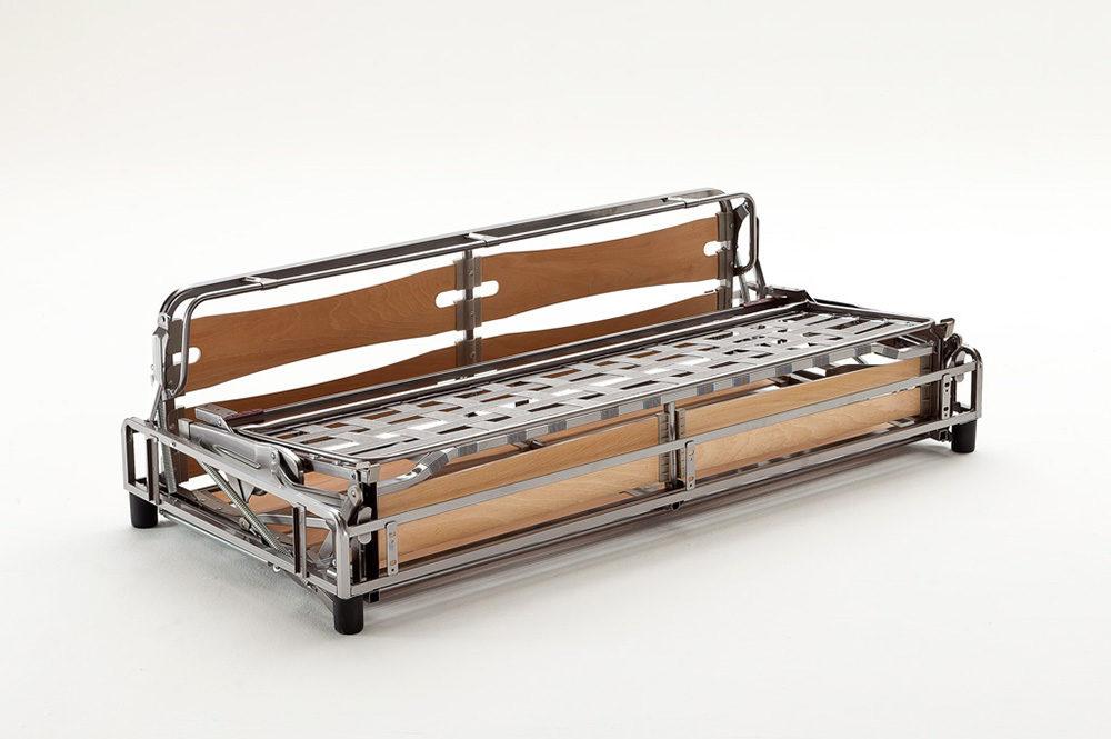 Divani e poltrone letto con doghe multistrato in legno di faggio