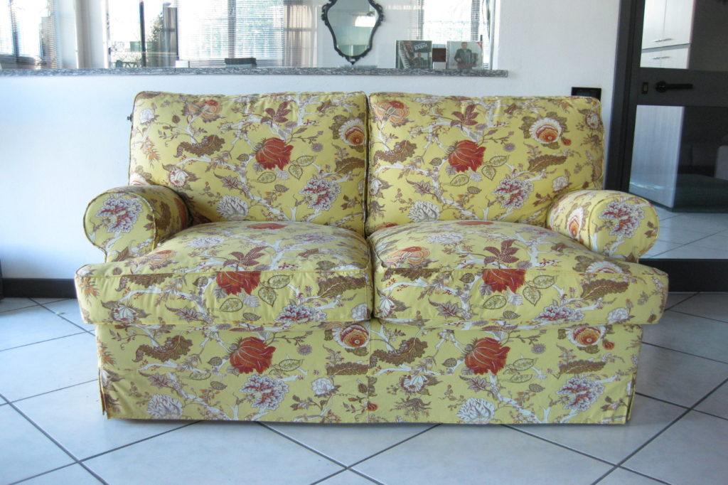 Outlet divano 2 posti richmond abiesse 1970 for Outlet tessuti arredamento