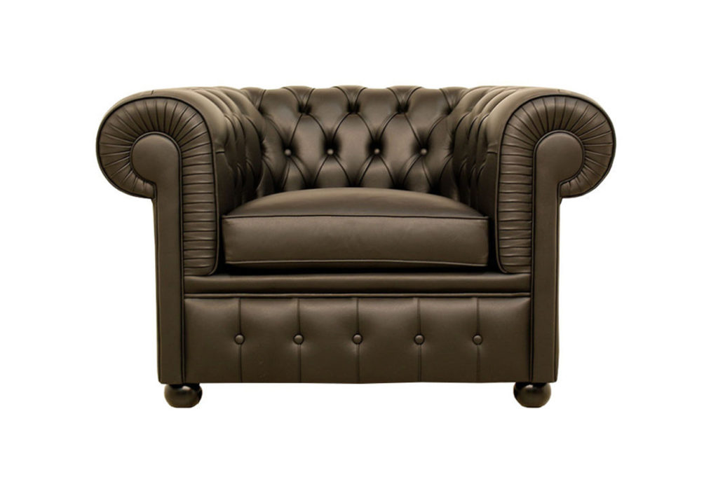 Poltrona Chesterfield in pelle nera