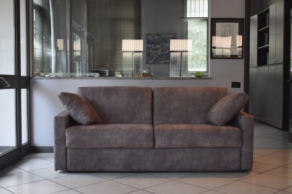 Outlet arredamento - divano letto Milano